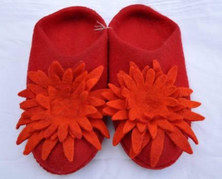 T�flar, filt, raud-oransj, med blom