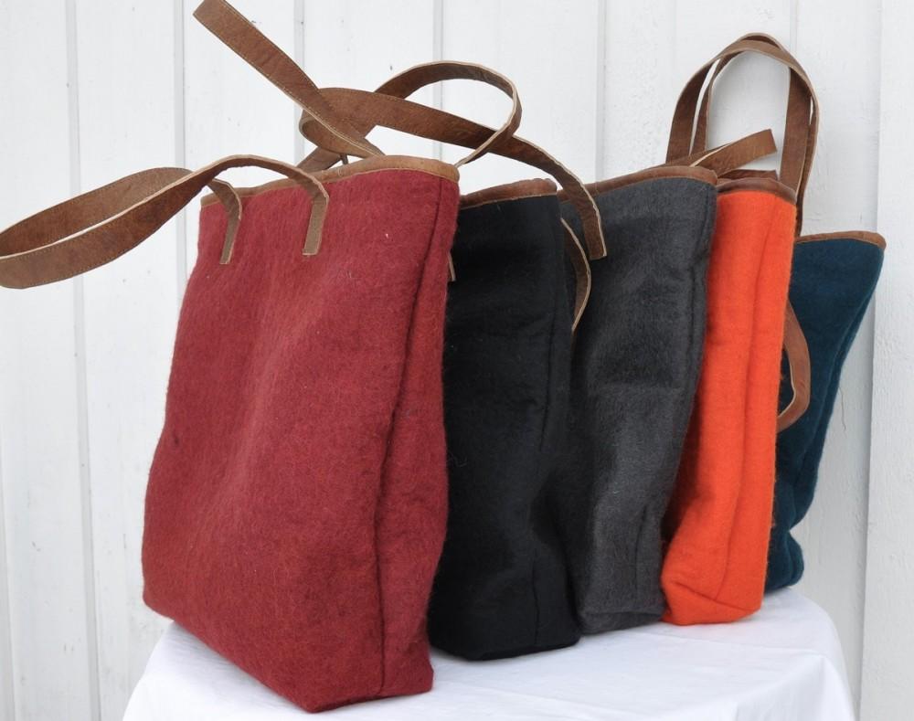 Filtveske, skinn handtak. Fair trade. | ALL VERDAS gåver og